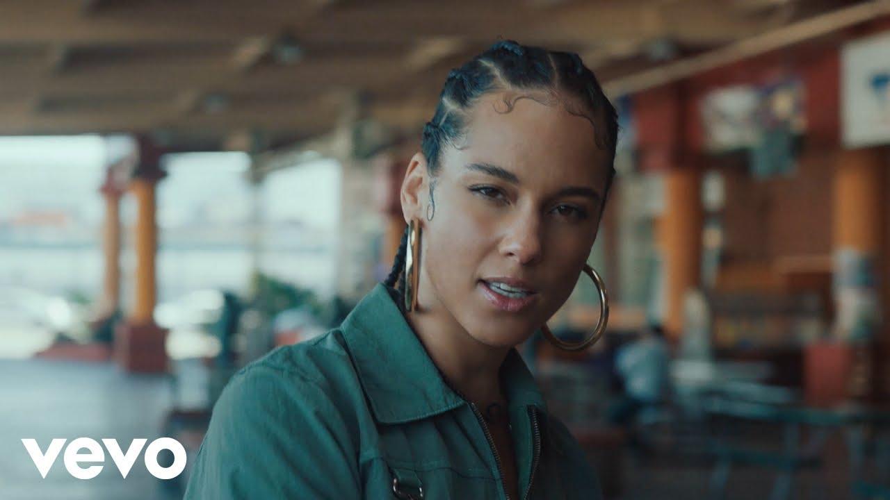Alicia Keys – Underdog (Official Video)